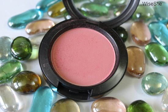 MAC-Fleur-Power-blush-review-+-MAC-powder-blush-+satin