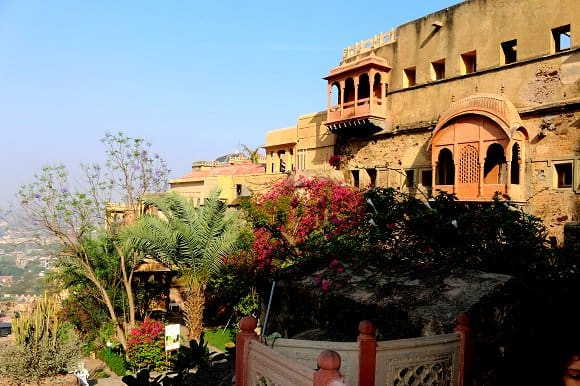 neemrana palce rooms fort