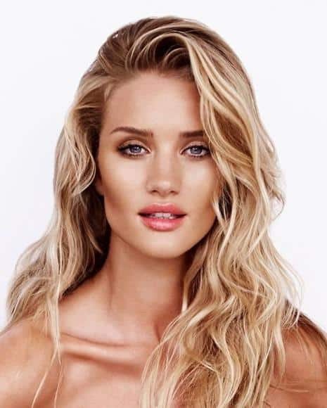 nude-makeup-with-beachy-waves